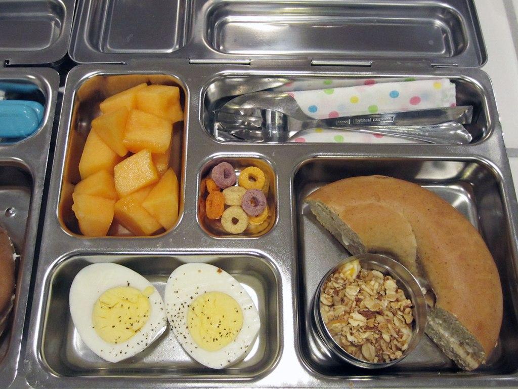 lunch on 12 October 2012: Bagel + Egg