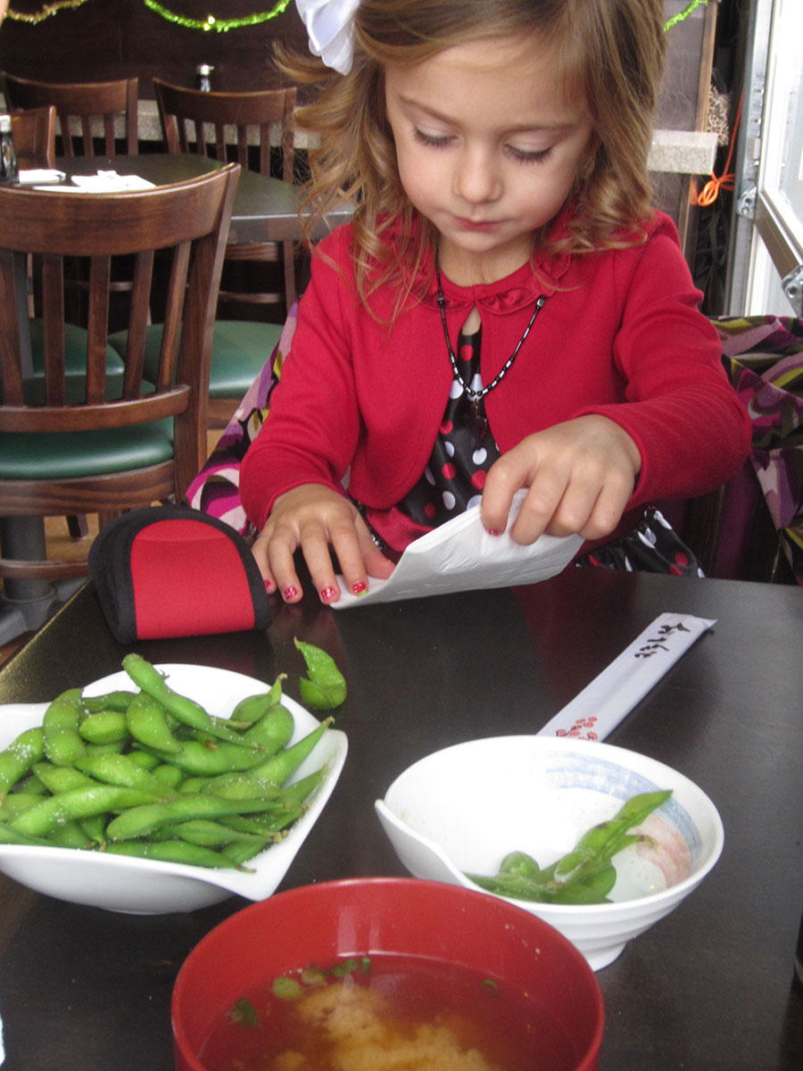 girl's lunch: edamame and miso soup