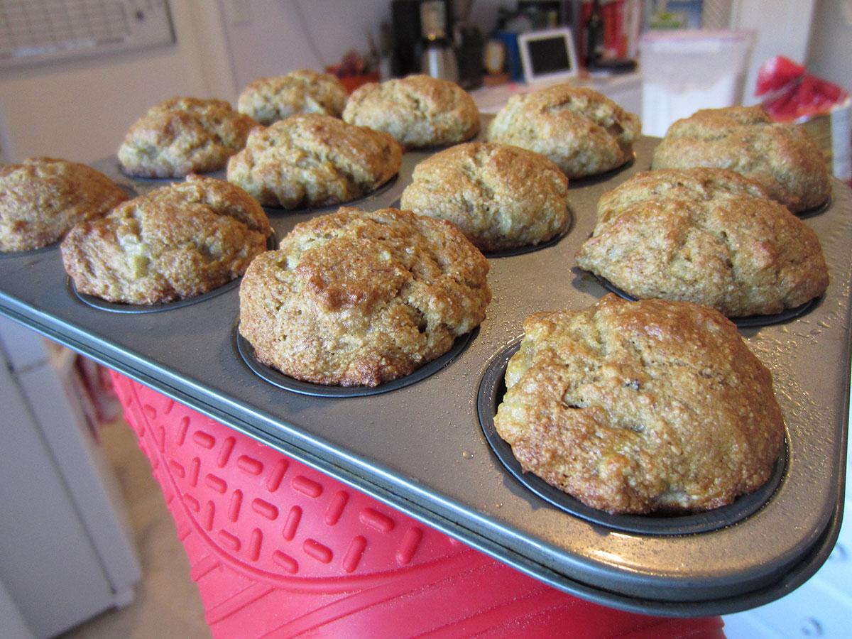 vegan whole wheat banana muffins